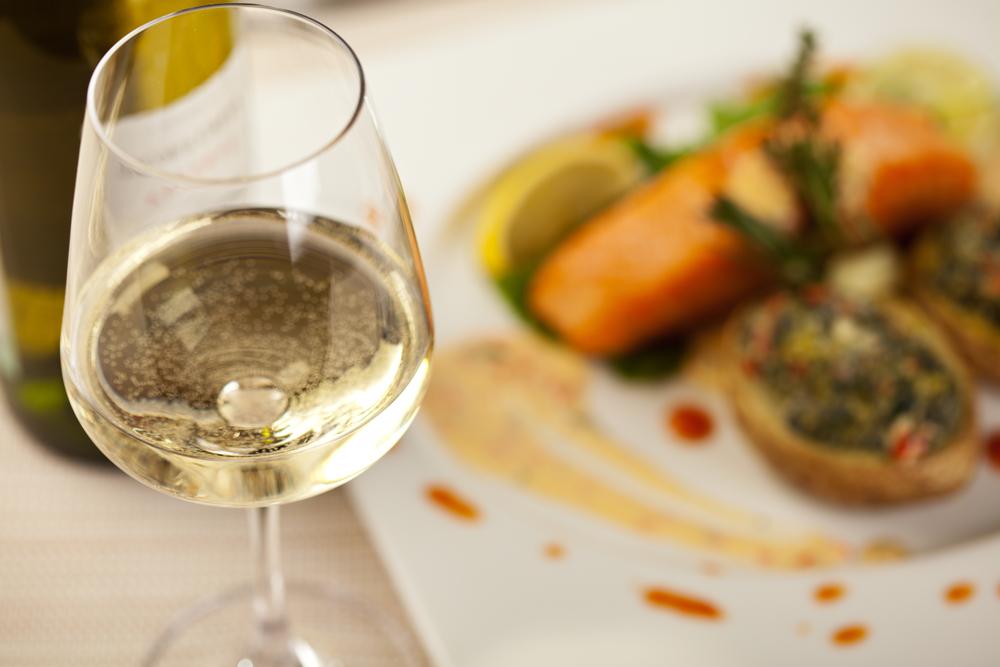 vinho-branco-para-harmonizar-com-pratos-com-especiarias