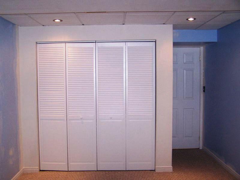 Fa a um closet pessoal usando drywall for Modelos de zapateras para closets